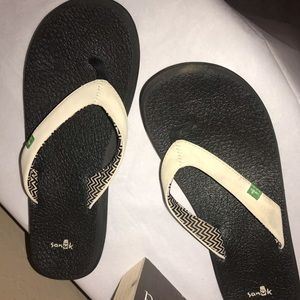 Sanuk flip flop sandals size 7.5 ⭐️